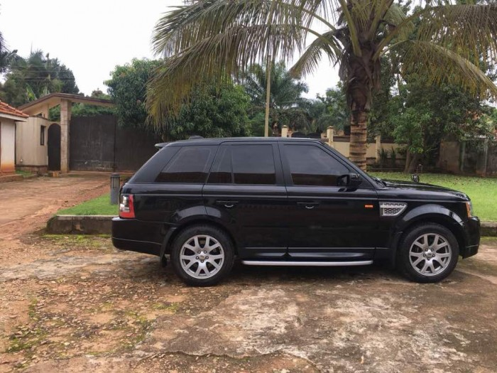 The black Range Rover Sport, Wedding Car Hire Uganda