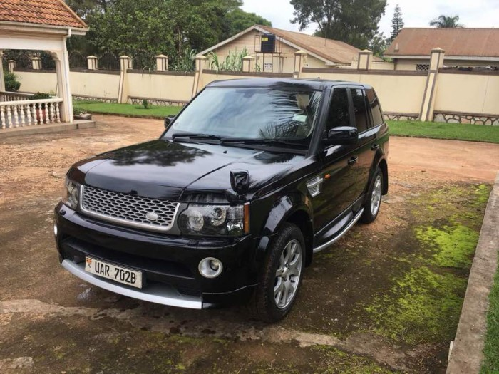 A range rover from Wedding Car Hire Uganda