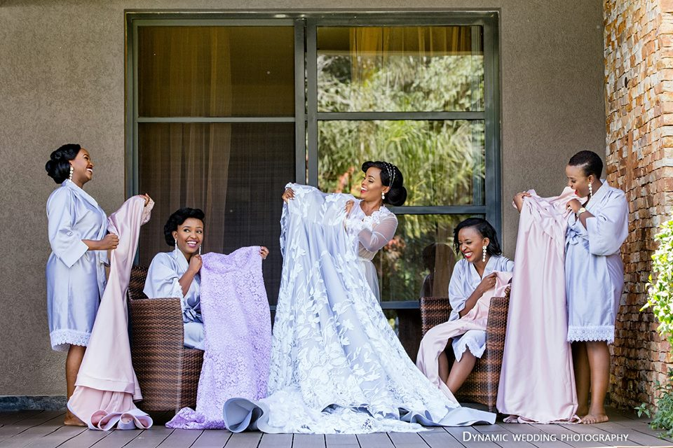 Bridal entourage poses